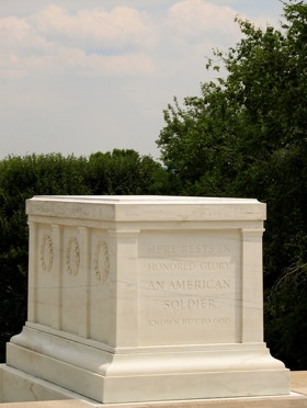 tomb-of-the-unknown-soliders-1.jpg